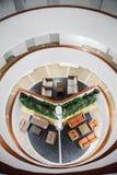 Estructura interior del hotel del acuario de Decameron Fotos de archivo