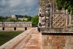 Estructuras en la ciudad del maya de Uxmal, Yucatán Foto de archivo