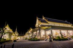 Estructuras suplementarias hermosas alrededor del crematorio real para la cremación real de su rey Bhumibol Adulyadej, Sanam L de Imagenes de archivo