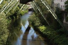 A estrutura de apoio da estrada de ferro da suspens?o de Wuppertaler imagens de stock royalty free