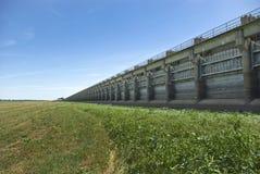 Estrutura de controle da inundação do Spillway de Morganza fotografia de stock