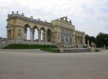 Estrutura de Gloriette no palácio de Schonbrunn em Viena, Áustria imagem de stock