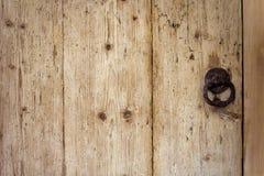 Estrutura de madeira de uma porta velha Foto de Stock Royalty Free