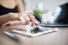 Estrutura de organização dos povos Hora Recursos humanos e recrutamento Tecnologia de uma comunicação e do Internet fotos de stock