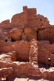Estrutura de pedra antiga de desintegração, povoado indígeno de Wupatki fotografia de stock