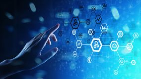 Estrutura de sistema da automatização na tela virtual Tecnologia de fabricação e Internet espertos do conceito das coisas imagens de stock