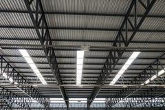 Estrutura de telhado do metal imagens de stock