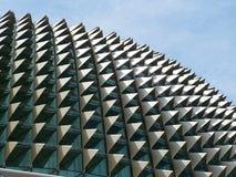 Estrutura de telhado do teatro da ópera de Singapura foto de stock