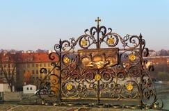 Estrutura decorativa na ponte de Charles, Praga, república checa Imagem de Stock