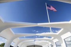 Estrutura e bandeira de USS o Arizona Fotos de Stock Royalty Free