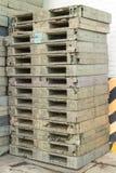 Estrutura lisa do transporte do patim de madeira da pálete que apoia quando seja Imagem de Stock Royalty Free