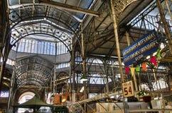Estrutura metálica interior do mercado de San Telmo imagem de stock