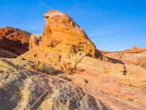 Estrutura vermelha da rocha no vale do fogo, Nevada, EUA fotografia de stock