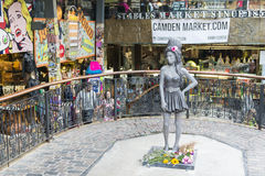 Estátua de Amy Winehouse Fotos de Stock