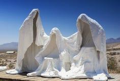 Estátuas brancas do emplastro de Spechless como símbolos da mina abandonada Fotografia de Stock