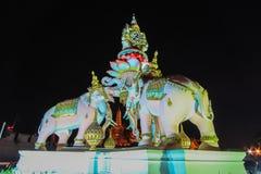 Estátuas de Erawan e Wat Phra Kaew cor-de-rosa, Banguecoque, Tailândia Imagem de Stock