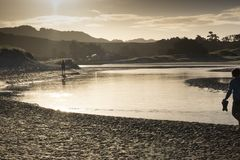 Estuaire d'embouchure de Pakiri à la terre du nord Nouvelle-Zélande NZ de plage de Pakiri Photos libres de droits