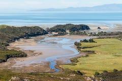 Estuaire de rivière chez Puponga au Nouvelle-Zélande Photographie stock