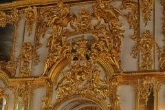 Estuco del oro en las paredes Imágenes de archivo libres de regalías