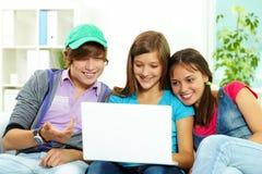 Estudando adolescentes Imagens de Stock Royalty Free