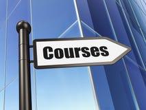 Estudando o conceito: cursos do sinal no fundo da construção fotografia de stock royalty free
