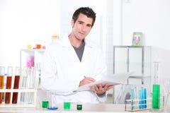 Estudante da química Imagens de Stock