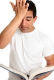 Estudante de estudo frustrante forçado preocupado Fotos de Stock Royalty Free
