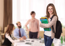 Estudante de jovem mulher passado os exames Foto de Stock Royalty Free