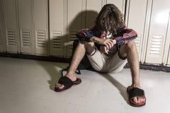 Estudante do jovem adolescente na faculdade Imagens de Stock