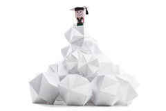 Estudante do menino, parte superior da montanha como um símbolo da realização e sucesso na vida Imagens de Stock