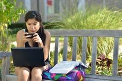 Estudante do Oriente Médio novo no terreno Fotografia de Stock Royalty Free