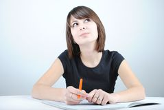 A estudante escreve Imagens de Stock Royalty Free
