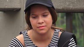 Estudante fêmea adolescente triste e só imagem de stock royalty free