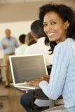 Estudante maduro na classe imagens de stock royalty free