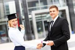 Estudante na cerimônia de graduação fotos de stock royalty free