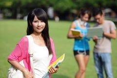 Estudante universitário feliz da menina Fotografia de Stock