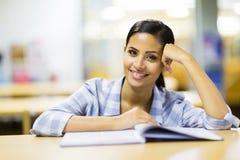 Estudante universitário bonita Imagem de Stock Royalty Free