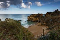 Estudantes海滩在拉各斯,葡萄牙 免版税库存照片