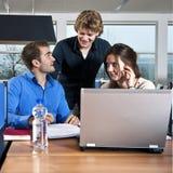 Estudantes do grupo de trabalho Imagem de Stock Royalty Free