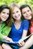 Estudantes fêmeas Fotografia de Stock Royalty Free