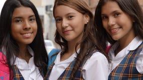 Estudantes fêmeas consideravelmente adolescentes Fotografia de Stock