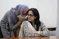 Estudantes fêmeas em Paquistão Fotografia de Stock
