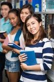 Estudantes felizes imagem de stock royalty free