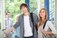 Estudantes na faculdade Foto de Stock