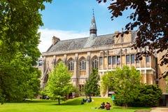 Estudantes na faculdade de Balliol Oxford, Inglaterra fotografia de stock