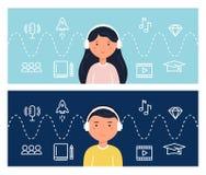 Estudantes que aprendem com os Podcasts e o Webinars Tecnologia da educação e do Internet Blended que aprende o conceito Imagens de Stock Royalty Free