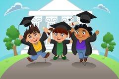 Estudantes que comemoram a graduação Foto de Stock Royalty Free