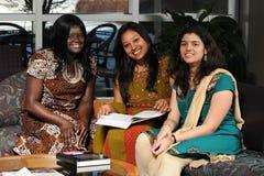Estudantes universitário no vestuário étnico Fotos de Stock