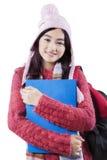 Estudiante adolescente con la moda del invierno Imagen de archivo