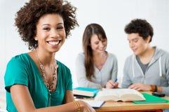 Estudiante afroamericano feliz Imagen de archivo libre de regalías